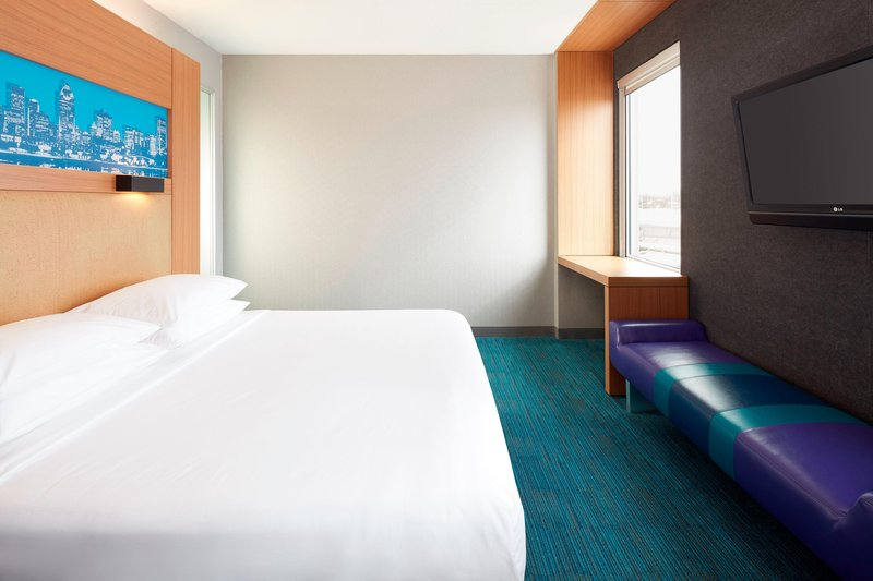 Aloft Montreal Airport-King Aloft Guest Room<br/>Image from Leonardo
