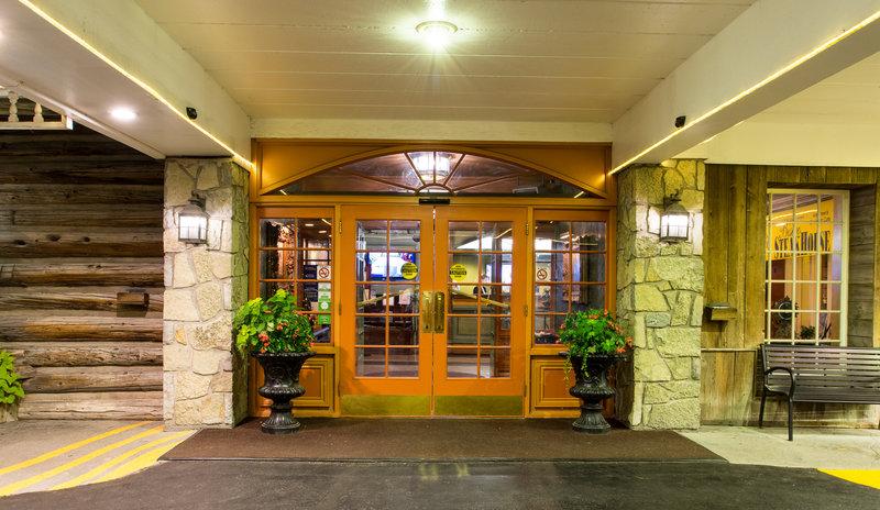 Best Western Fireside Inn-Front Entrance 2<br/>Image from Leonardo