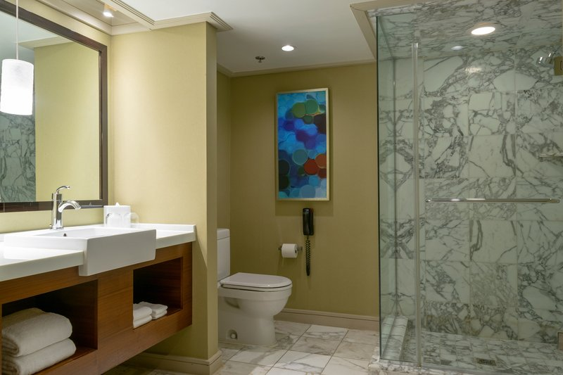 The Mirage Hotel and Casino - Mirage Suite Bathroom <br/>Image from Leonardo