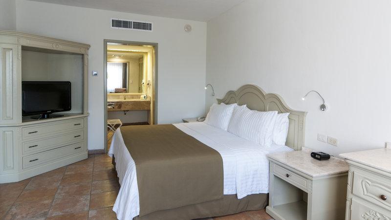 Holiday Inn Ciudad Del Carmen-Master Suite<br/>Image from Leonardo