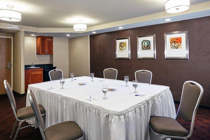 Holiday Inn Express Hampton - Coliseum Central-Meeting Room<br/>Image from Leonardo