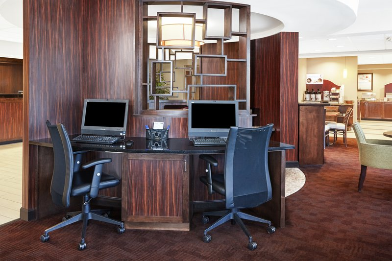 Holiday Inn Express Hampton - Coliseum Central-Business Center<br/>Image from Leonardo