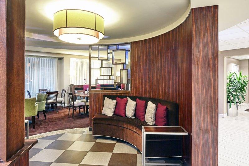 Holiday Inn Express Hampton - Coliseum Central-Lobby Lounge<br/>Image from Leonardo