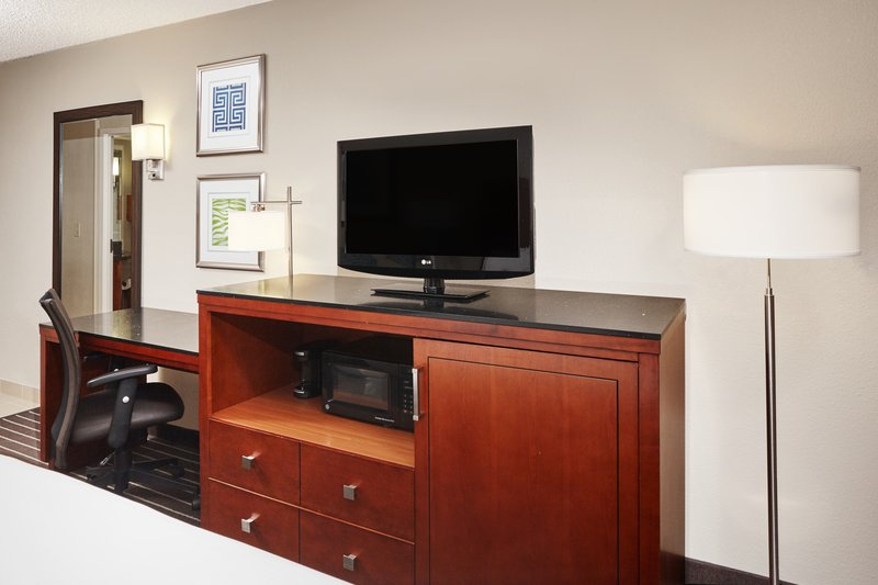 Holiday Inn Express Hampton - Coliseum Central-King Guest Room with sofa bed<br/>Image from Leonardo