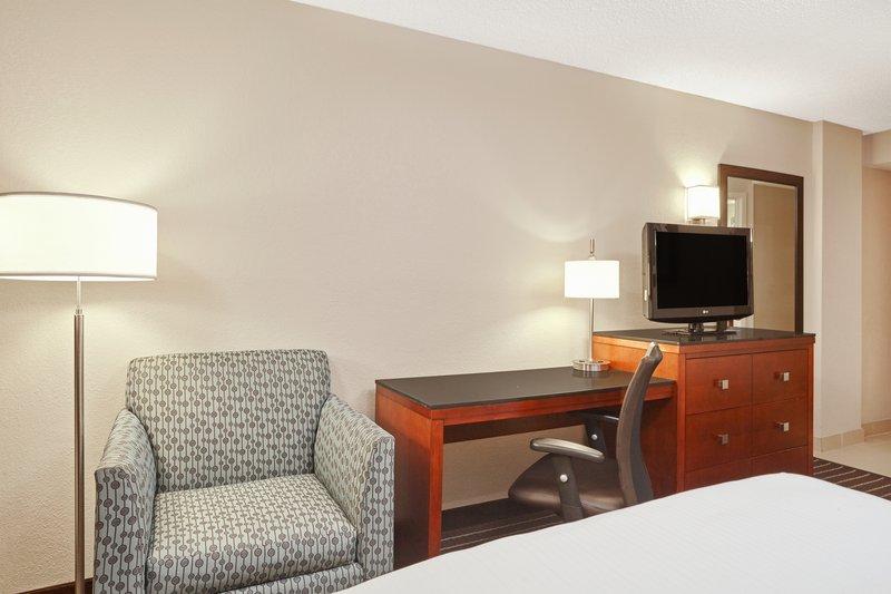 Holiday Inn Express Hampton - Coliseum Central-King Guest Room<br/>Image from Leonardo