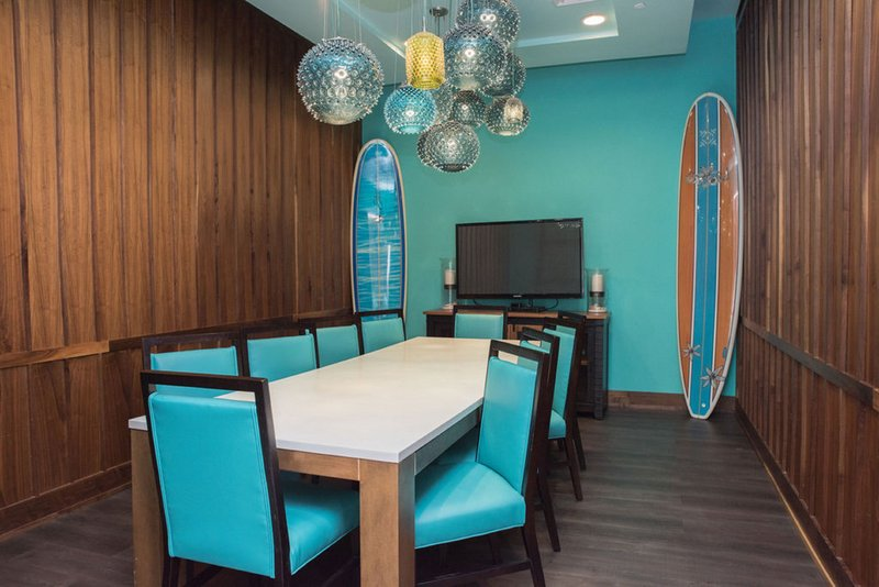 Holiday Inn Resort Pensacola Beach Gulf Front-Private dining is available at the Riptides Sports Grill<br/>Image from Leonardo