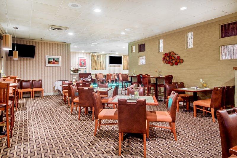 Holiday Inn Roanoke - Tanglewood - Rt 419 & I581-Restaurant<br/>Image from Leonardo