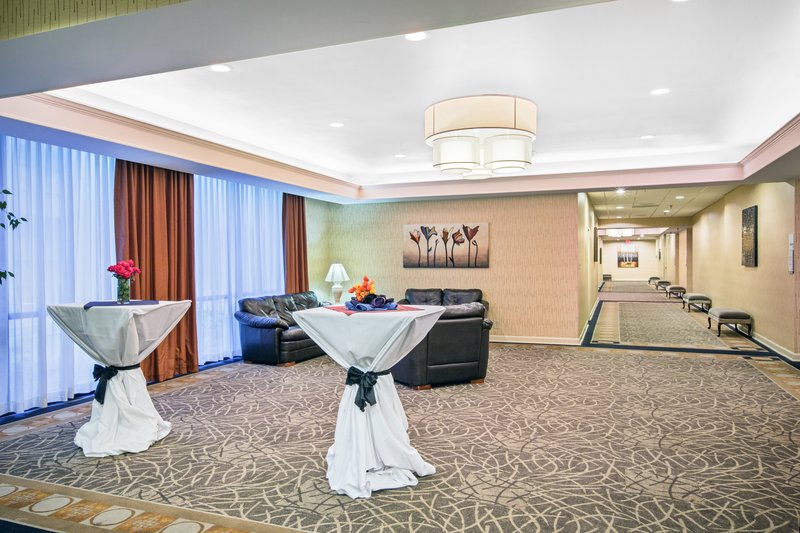Holiday Inn Roanoke - Tanglewood - Rt 419 & I581-Pre-function Area<br/>Image from Leonardo