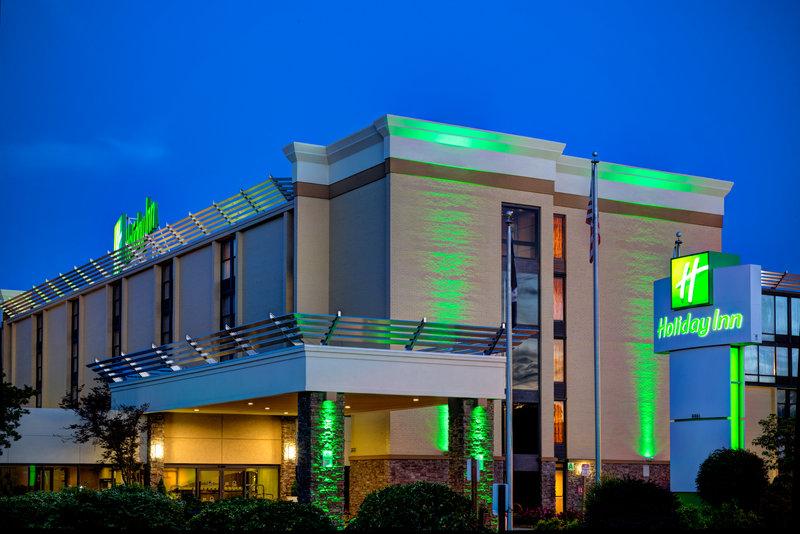 Holiday Inn Roanoke - Tanglewood - Rt 419 & I581-Front Entrance at night<br/>Image from Leonardo