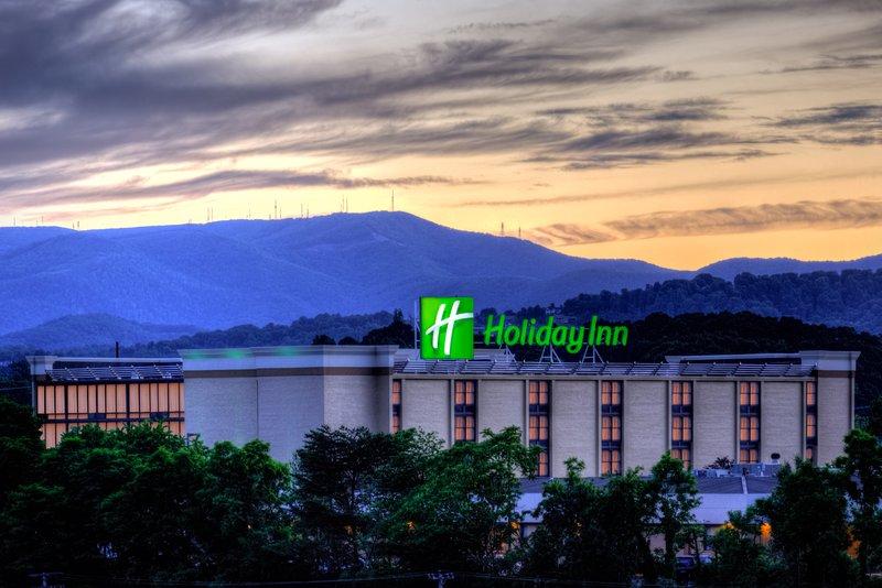 Holiday Inn Roanoke - Tanglewood - Rt 419 & I581-Twilight at Holiday Inn Tanglewood-Roanoke<br/>Image from Leonardo
