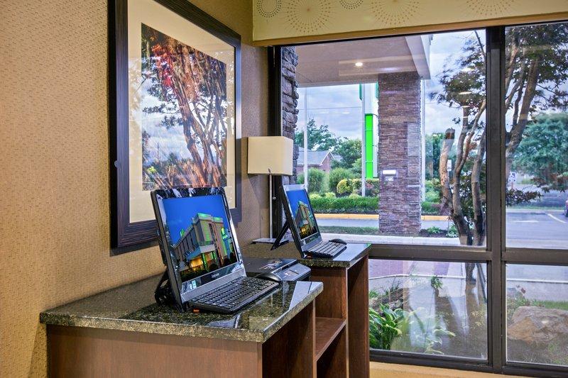 Holiday Inn Roanoke - Tanglewood - Rt 419 & I581-Business Desk<br/>Image from Leonardo