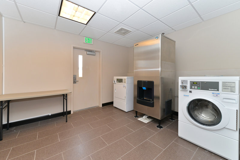Holiday Inn Express & Suites Indio-Coin Operated Guest Laundry<br/>Image from Leonardo