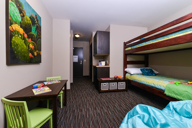 Holiday Inn Express & Suites Indio-Kids Suites with Bunk Beds<br/>Image from Leonardo