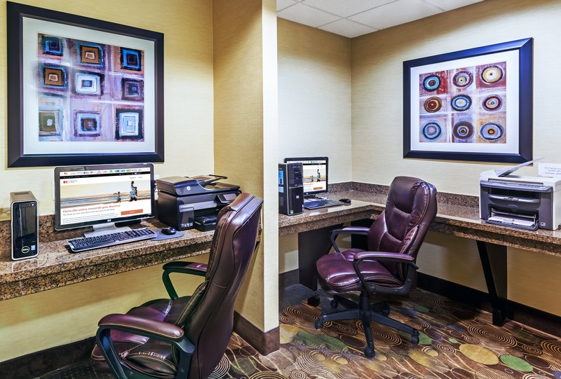 Holiday Inn Express Beaumont NW Parkdale Mall-Business Center<br/>Image from Leonardo