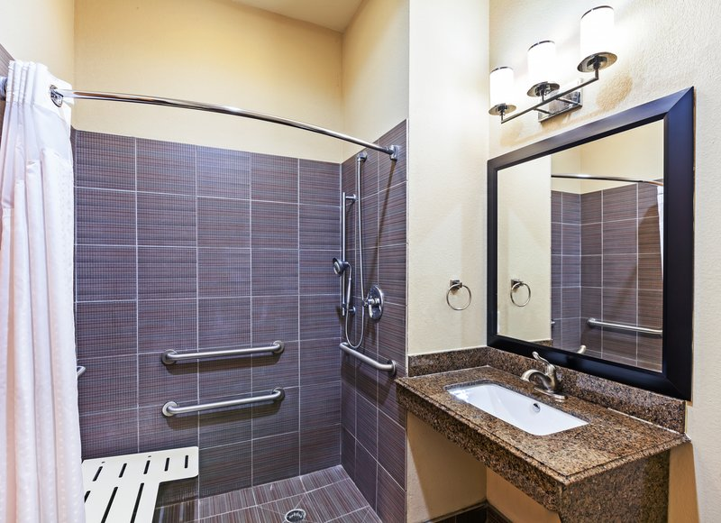 Holiday Inn Express Beaumont NW Parkdale Mall-Guest Bathroom<br/>Image from Leonardo