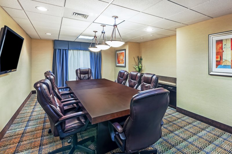 Holiday Inn Express Beaumont NW Parkdale Mall-Meeting Room<br/>Image from Leonardo