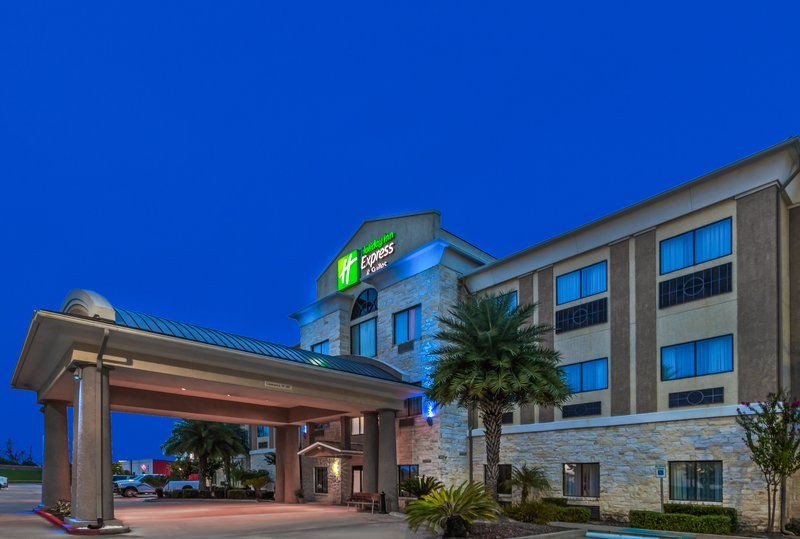 Holiday Inn Express Beaumont NW Parkdale Mall-Hotel Exterior<br/>Image from Leonardo