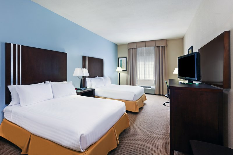 Holiday Inn Express Beaumont NW Parkdale Mall-Queen Bed Guest Room<br/>Image from Leonardo