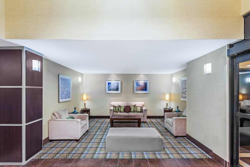 Holiday Inn Express Beaumont NW Parkdale Mall-Hotel Lobby<br/>Image from Leonardo