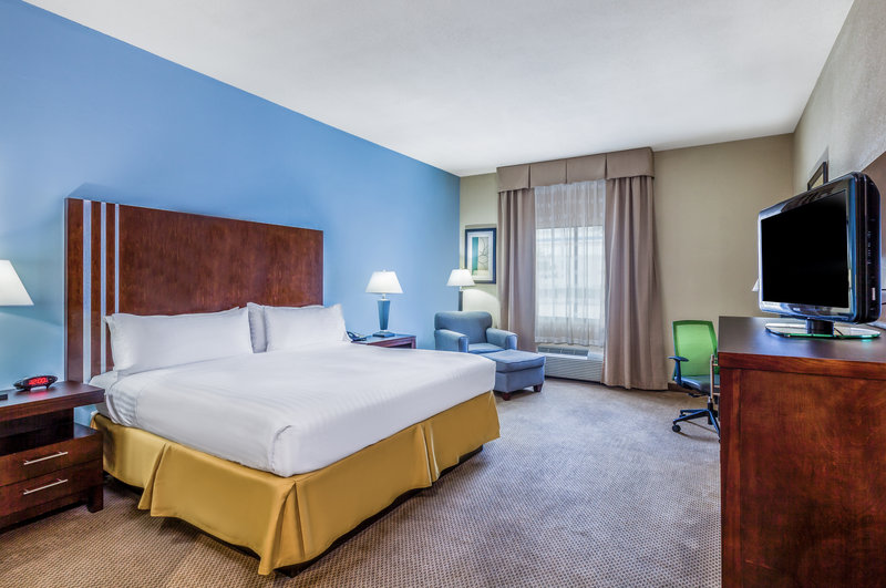 Holiday Inn Express Beaumont NW Parkdale Mall-King Bed Guest Room<br/>Image from Leonardo