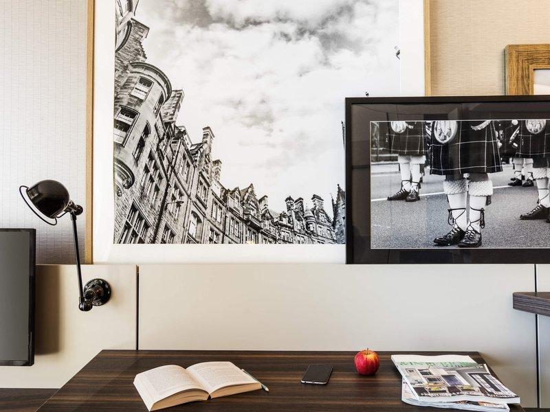 Adagio Edinburgh Royal Mile-Guest Room<br/>Image from Leonardo