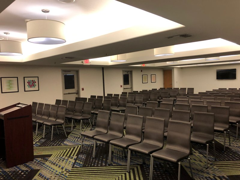 Holiday Inn Express & Suites Modesto-Salida-Theater Style for 100 people<br/>Image from Leonardo