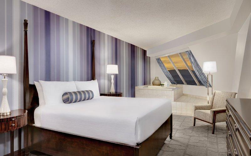 Luxor Resort and Casino-Pyramid Premium Corner Suite King Bed<br/>Image from Leonardo