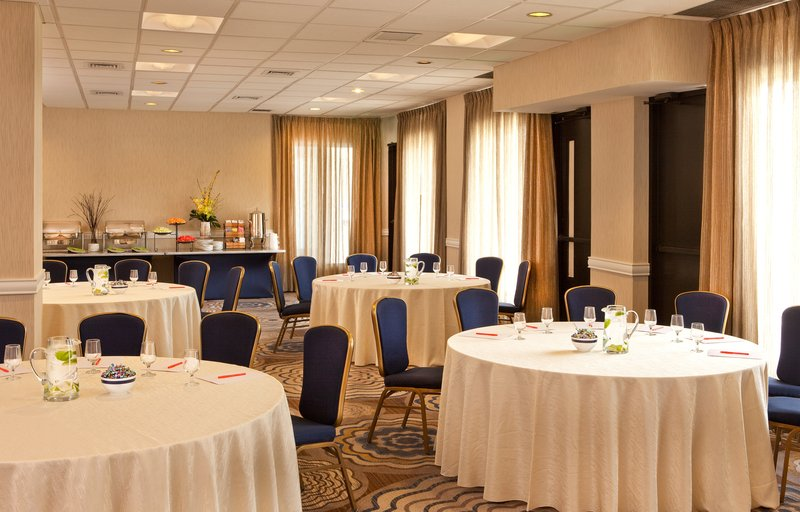 Crowne Plaza White Plains - Downtown-The Pleasantville room offers natural light for your meeting.<br/>Image from Leonardo