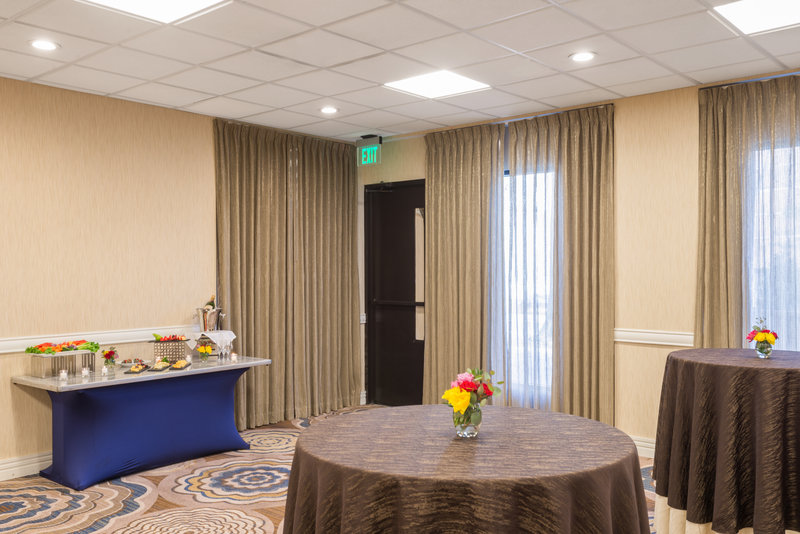 Crowne Plaza White Plains - Downtown-Pleasantville Meeting Room<br/>Image from Leonardo