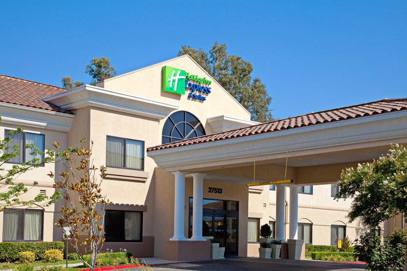 Holiday Inn Express Hotel & Suites Santa Clarita-Holiday Inn Express Valencia Hotel Exterior<br/>Image from Leonardo