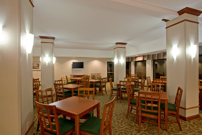 Holiday Inn Express Hotel & Suites Santa Clarita-We offer plenty of seating in our breakfast area.<br/>Image from Leonardo
