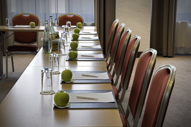 Holiday Inn Stuttgart-Meeting Room<br/>Image from Leonardo