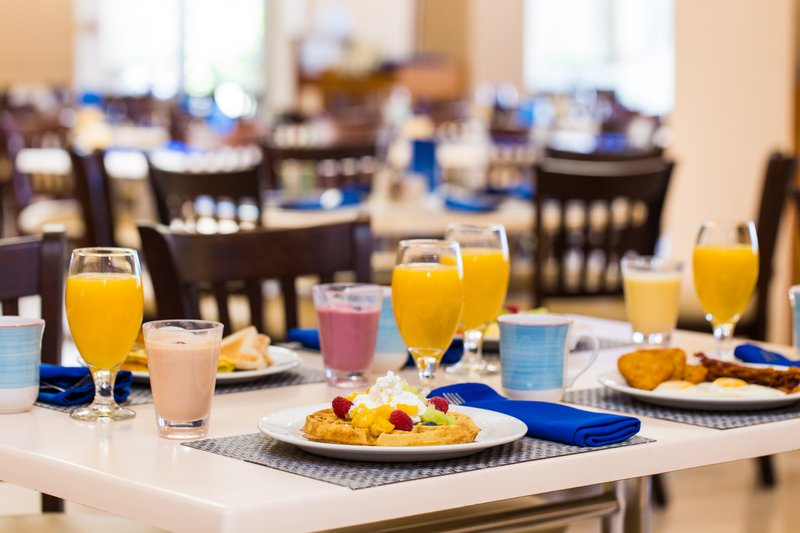 Holiday Inn Resort Aruba - Breakfast <br/>Image from Leonardo