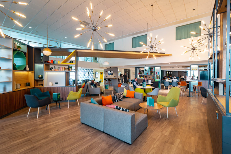 Holiday Inn Winchester-Holiday Inn Winchester Open Lobby <br/>Image from Leonardo