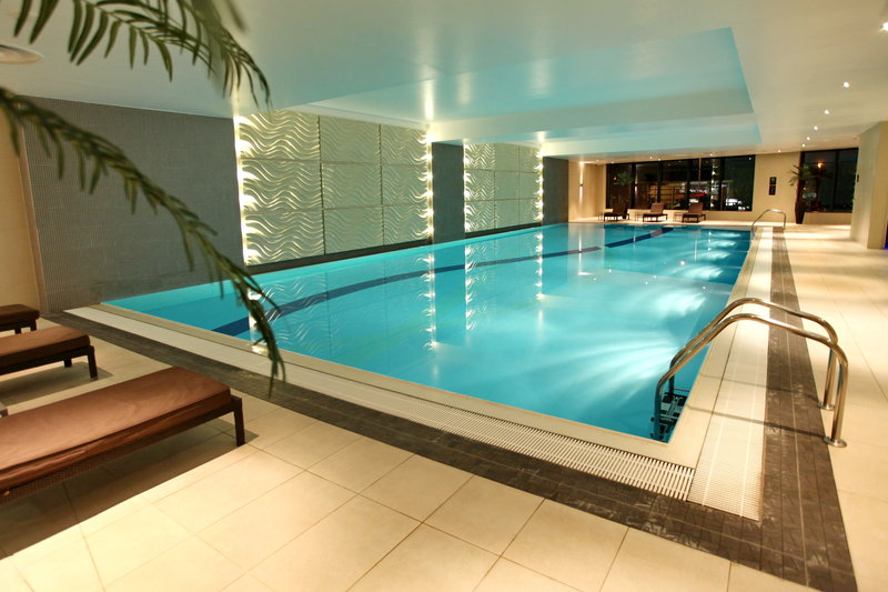 Holiday Inn Reading - M4, Jct. 10-19m Indoor Heated Swimming Pool<br/>Image from Leonardo