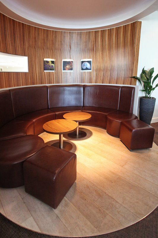 Holiday Inn Reading - M4, Jct. 10-Lounge area for informal meetings<br/>Image from Leonardo
