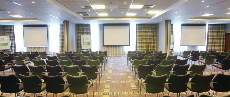 Holiday Inn Reading - M4, Jct. 10-Vibrant Buckingham Suite for up to 260<br/>Image from Leonardo