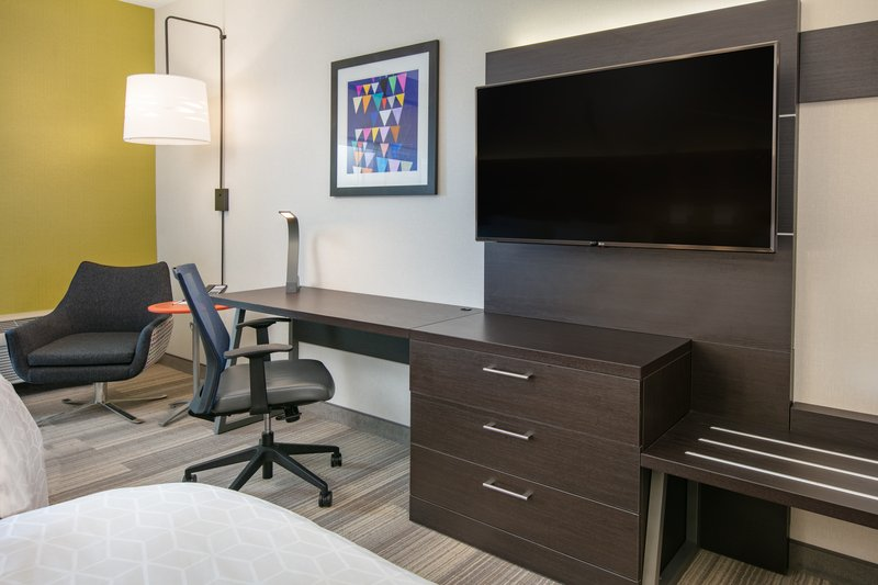 Holiday Inn Express & Suites Seaside - Convention Center-Workdesk TV <br/>Image from Leonardo