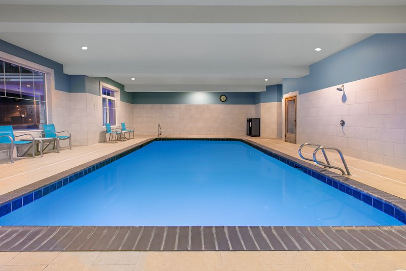 Holiday Inn Express & Suites Seaside - Convention Center-Swimming Pool <br/>Image from Leonardo