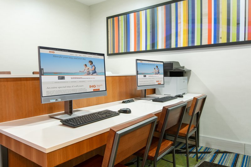 Holiday Inn Express & Suites Seaside - Convention Center-Business Center <br/>Image from Leonardo