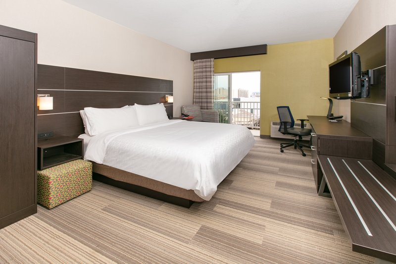 Holiday Inn Express & Suites Seaside - Convention Center-King Mobility Accessible Tub Nonsmoking<br/>Image from Leonardo