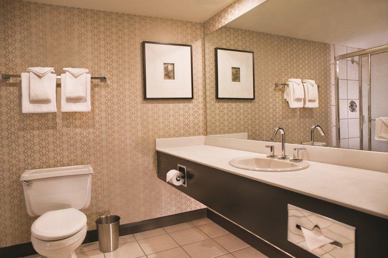 Excalibur Hotel and Casino - Royal Tower Bathroom <br/>Image from Leonardo