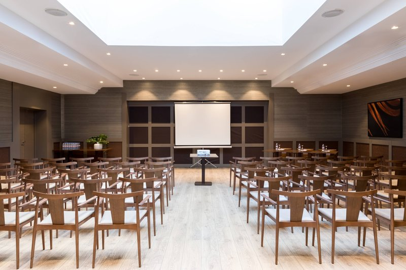 AC Hotel Nice-Forum C Meeting Room - Theater Setup<br/>Image from Leonardo