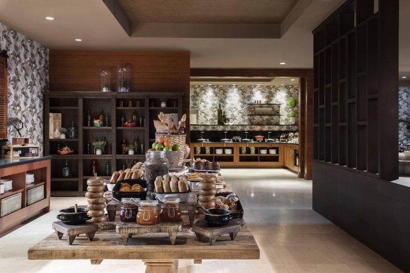THE RITZ-CARLTON, ARUBA - Solanio Breakfast <br/>Image from Leonardo