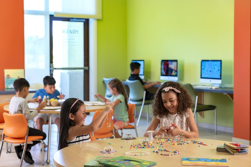 THE RITZ-CARLTON, ARUBA - Ritz Kids Art Program <br/>Image from Leonardo