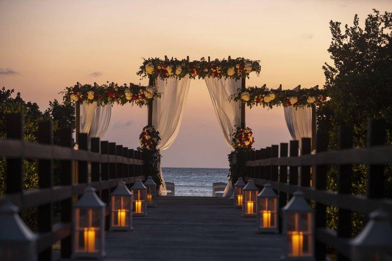 THE RITZ-CARLTON, ARUBA - Eternity Bridge Wedding Ceremony <br/>Image from Leonardo
