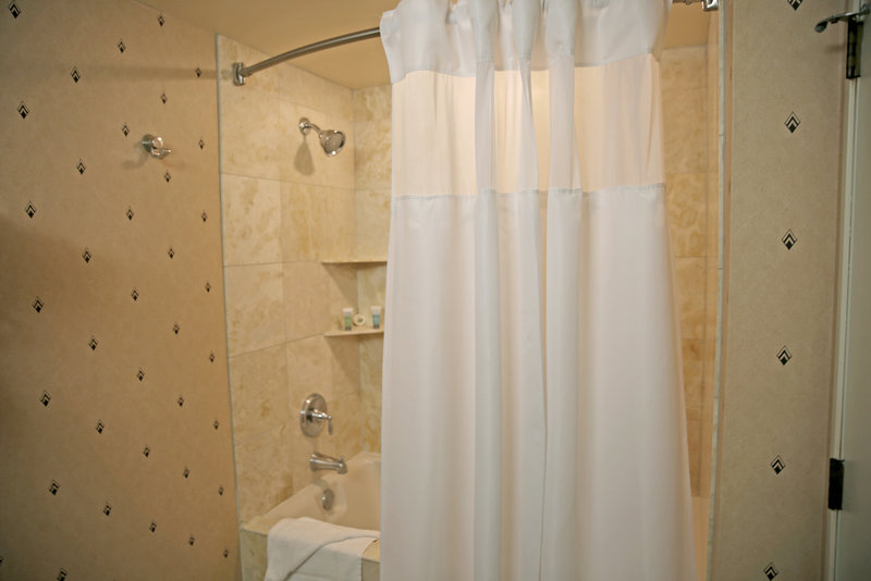 New York-New York Hotel-Bathroom Shower<br/>Image from Leonardo