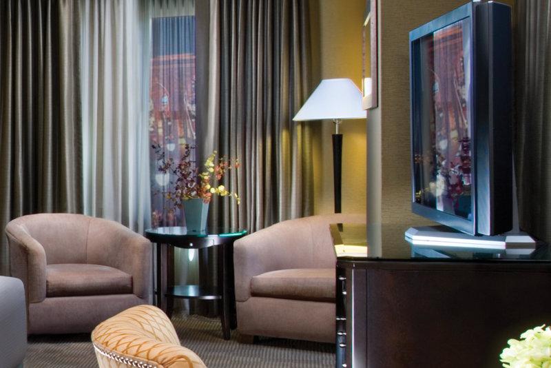 New York-New York Hotel-Spa Suite Sitting Area<br/>Image from Leonardo
