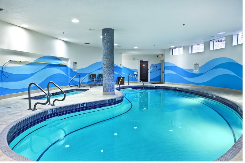 Holiday Inn Express & Suites Langley-Swimming Pool<br/>Image from Leonardo