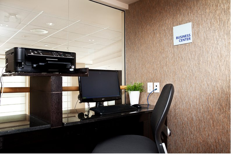 Holiday Inn Express & Suites Langley-Business Center<br/>Image from Leonardo